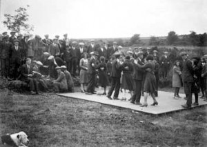 Crossroads dance with Zaftig Giolla in the right middleground, Galway 1929