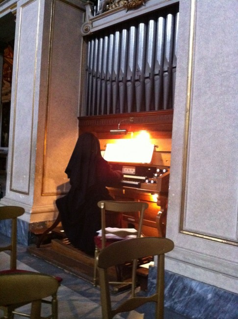IMG_1515nun-playing-organ-485x649